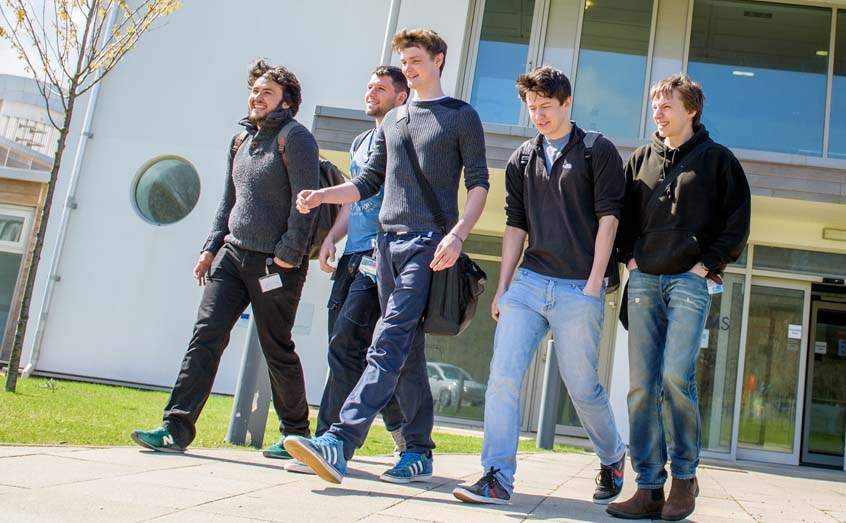 Students at the SAMS UHI campus in Dunstaffnage, Oban
